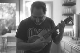 Neal Kassanoff ukulele